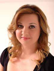 """Carina Rissi, autora de """"Perdida"""" e """"Procura-se um Marido"""""""
